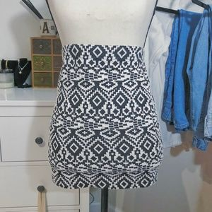 Forever 21 Stretchy Bodycon Skirt Black and White